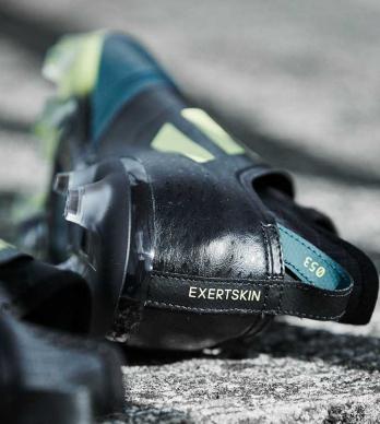 阿迪达斯又为Glitch系列发布了一款Exertskin外靴版